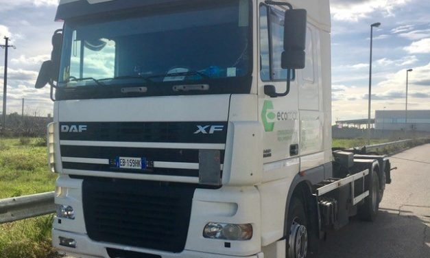 DAF AS 470 con ATTREZZATURA SCARRABILE